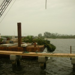 barge-and-tug_0004_1